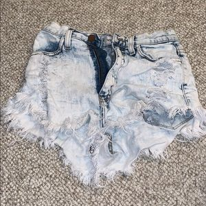 High-waisted Distressed Shorts
